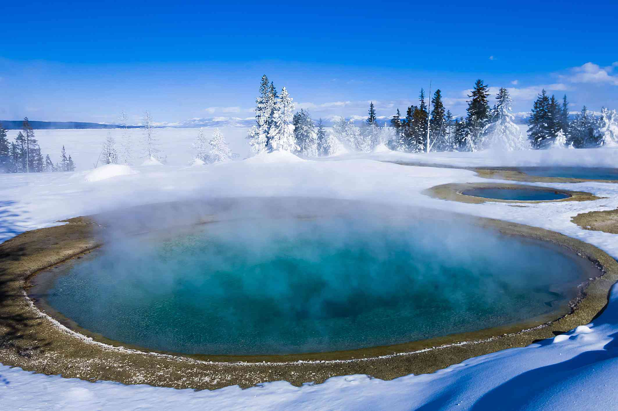 Yellowstone national park snow