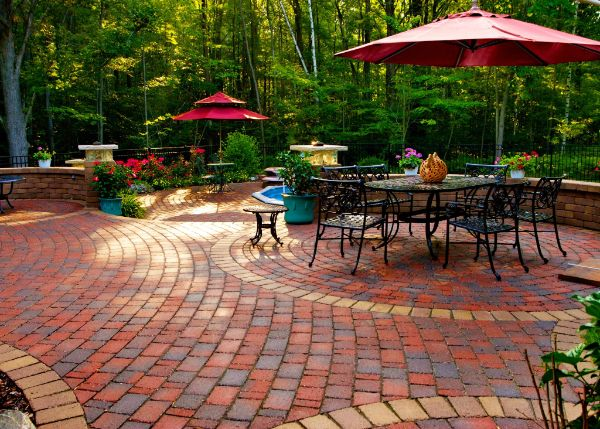 stunning hardscape workm with red bricks