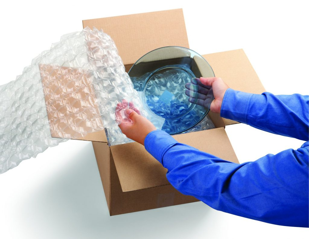 Wrapping a glass bowl in a bubble wrap